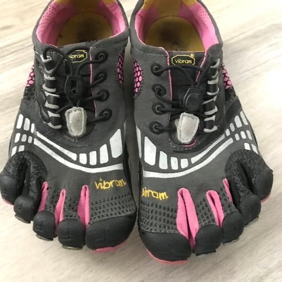 the latest b8541 8ef40 inexpensive vibram fivefingers komodo red pink be40c 00b66  italy vibram  fivefingers komodo barefoot running shoes 80cf0 343b0